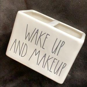 💋RAE DUNN Makeup Brush Holder, NEW!